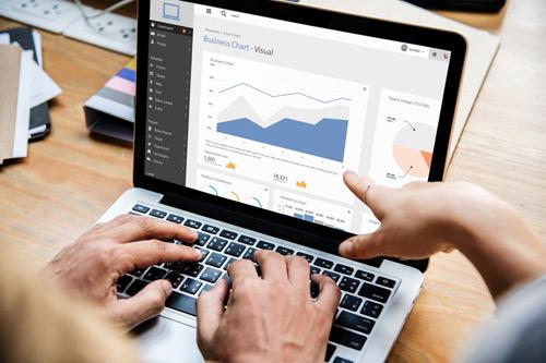 Symbolbild: Statistiken auf PC